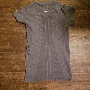 Lululemon swiftly shirt